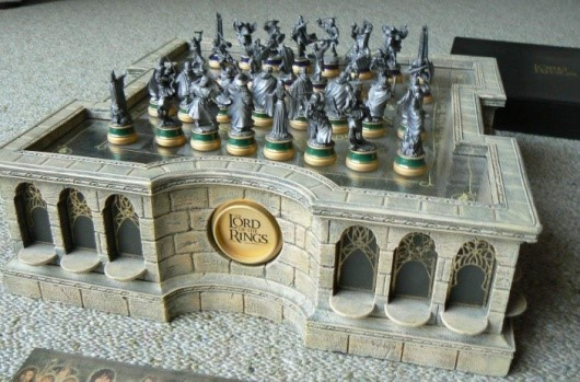 Lord Of The Rings Collector S Chess Set Crazygeektoys Com